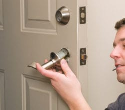 Locksmith Flushing